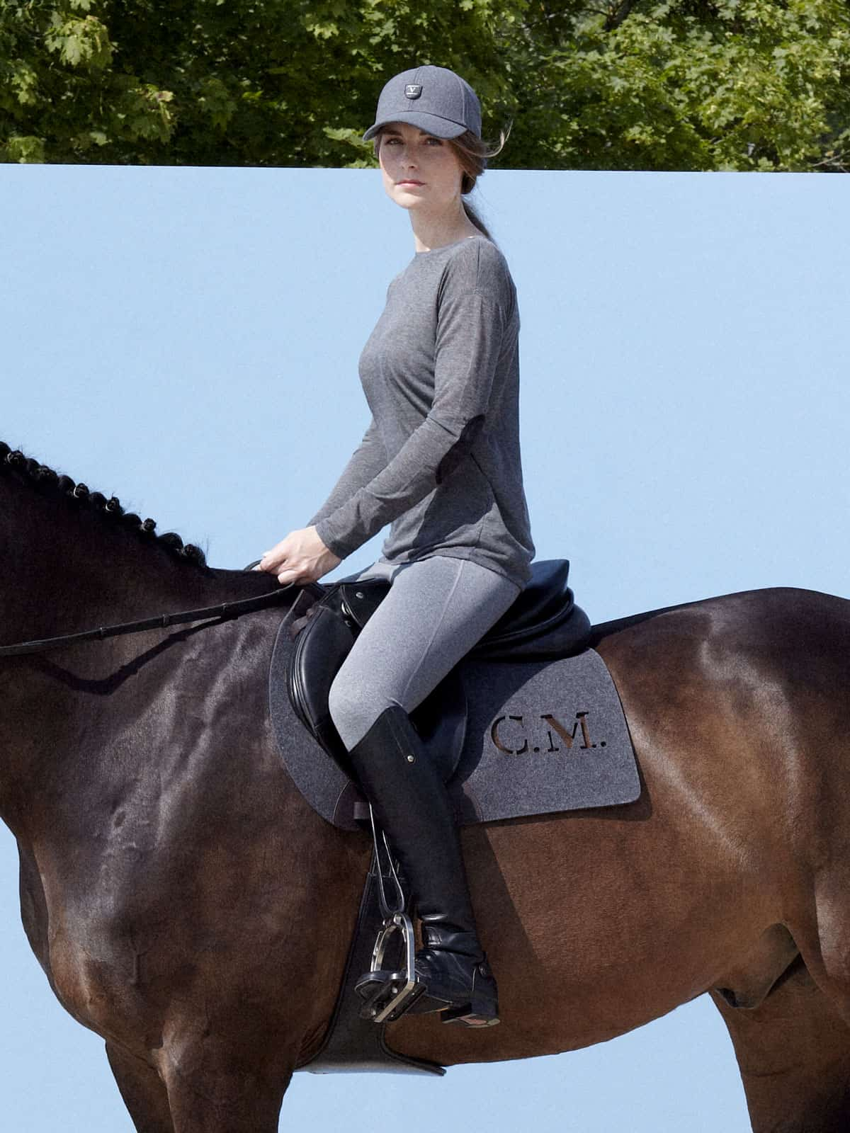 pure wool felt saddle pad with initials VALOR ABIANO