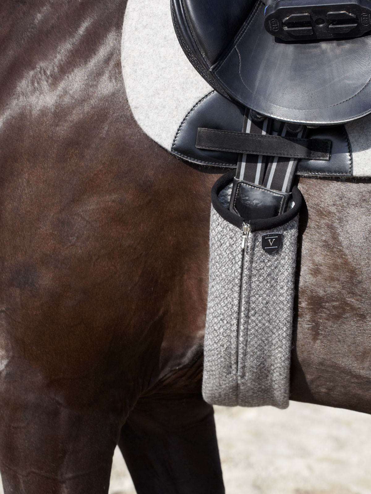 VALOR pure new wool girth cover OLANG